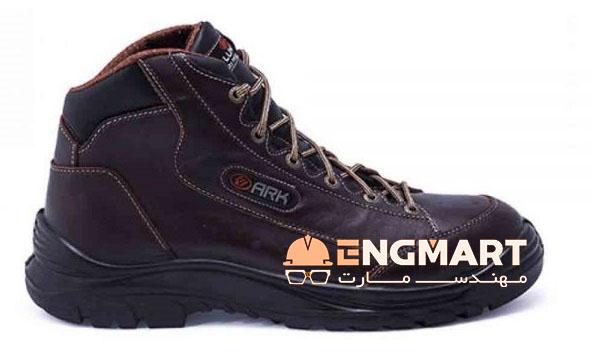 پوتین کوهنوردی ارک لونا M424 محصولی بسیار با کیفیت از شرکت تولیدی کفش ارک تبریز می باشد.