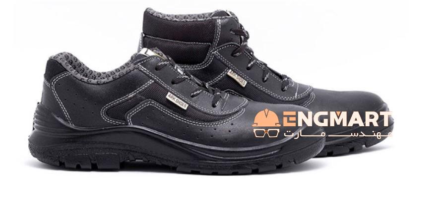 کفش ایمنی عایق برق کد 407 محصولی بسیار با کیفیت از شرکت تولیدی کفش ارک تبریز می باشد.